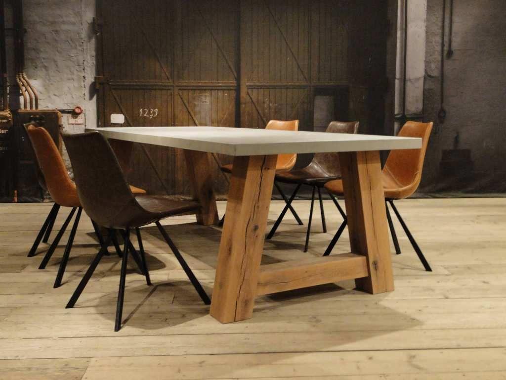 Eiken maatwerk tafel paysan beton tafels robuuste tafels