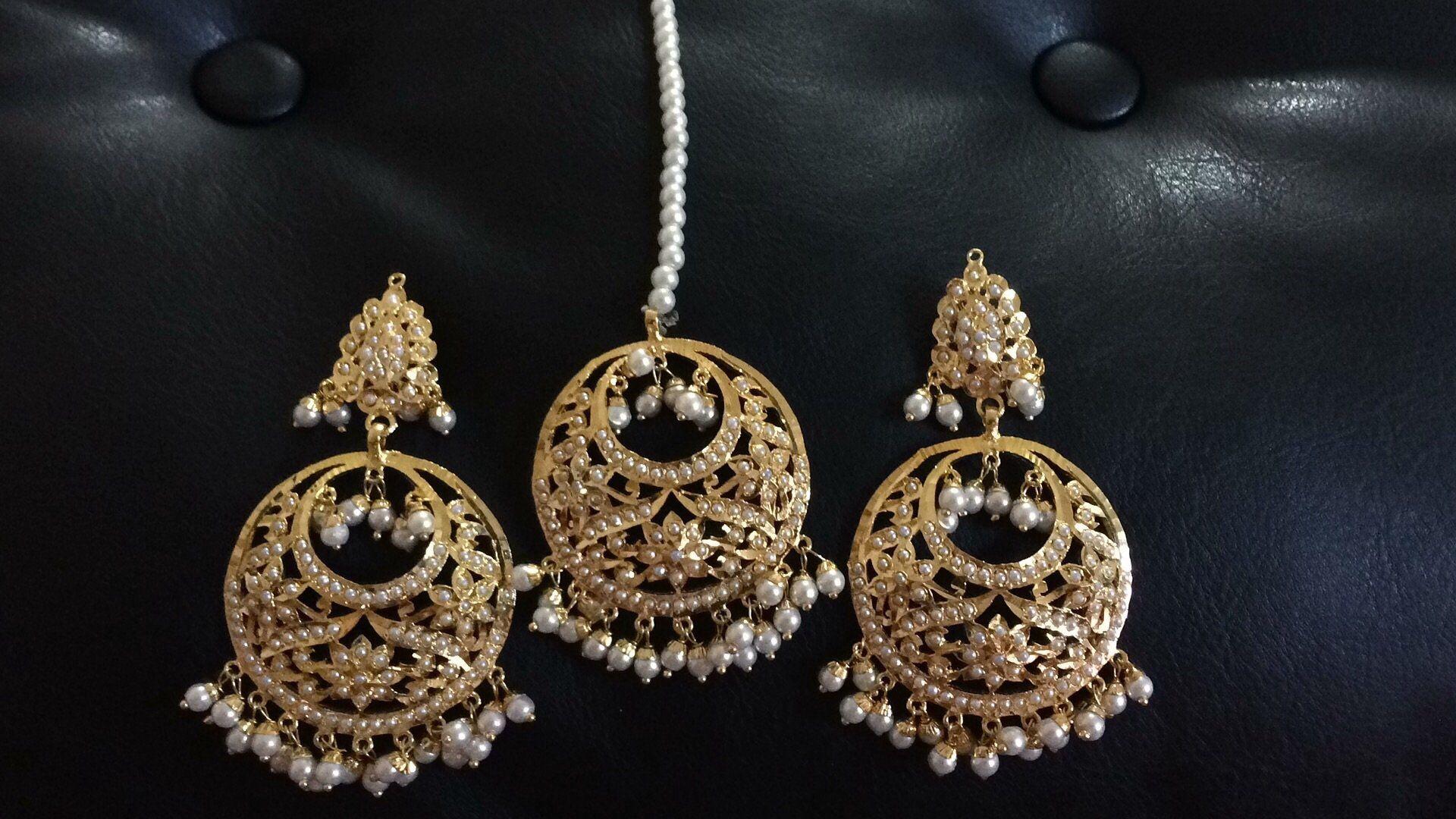Punjabi Jadau earrings Tika set in white