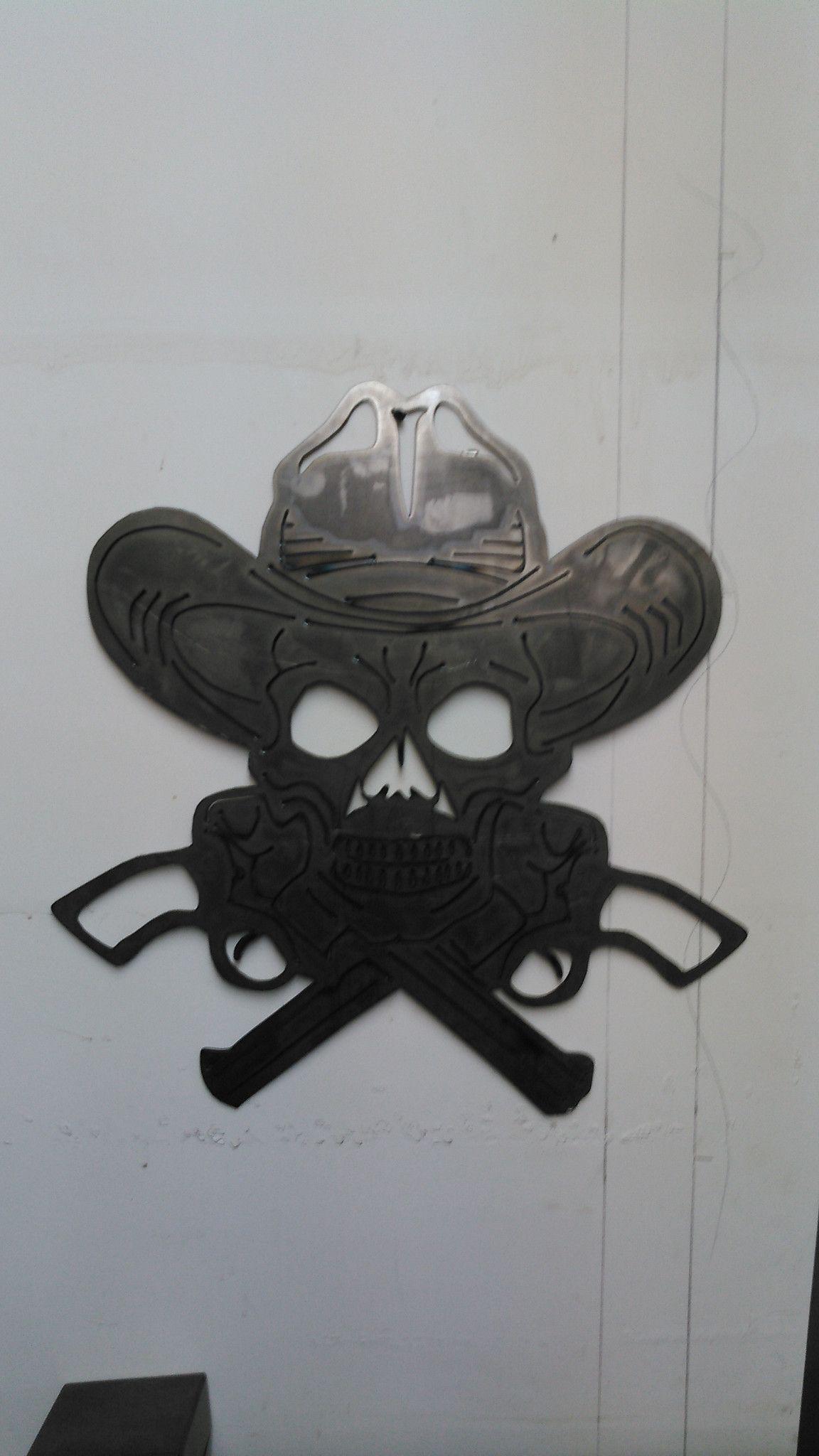 Skull and Guns Sign