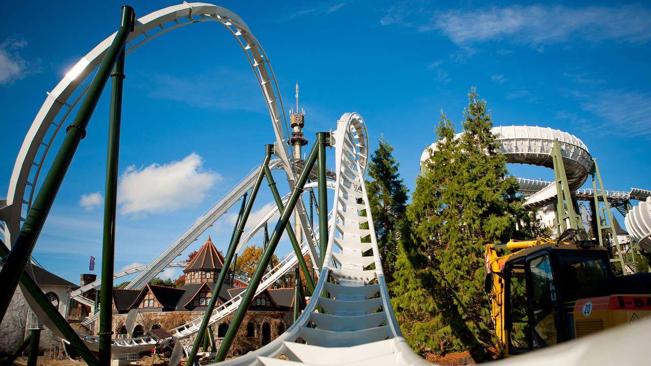 Probefluge In Der Neuen Achterbahn Flug Der Damonen Im Heide Park Resort Zu Gewinnen Heide Park Achterbahn Freizeitpark
