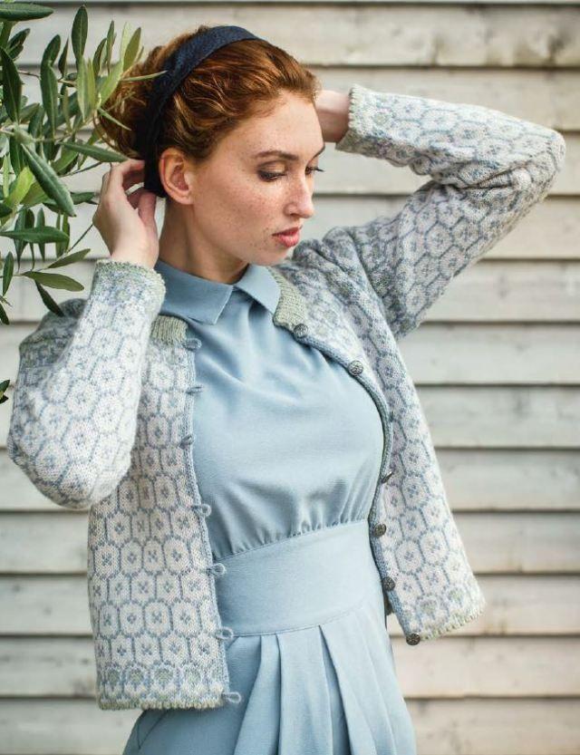 Dale Garn Urban Retro 320 Frydis Knitting Pattern For Ladies