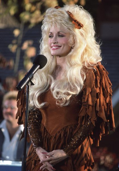 Dolly Parton Photos - Dollywood, Dolly Parton in 1987. - Disney ABC Television Group Archive