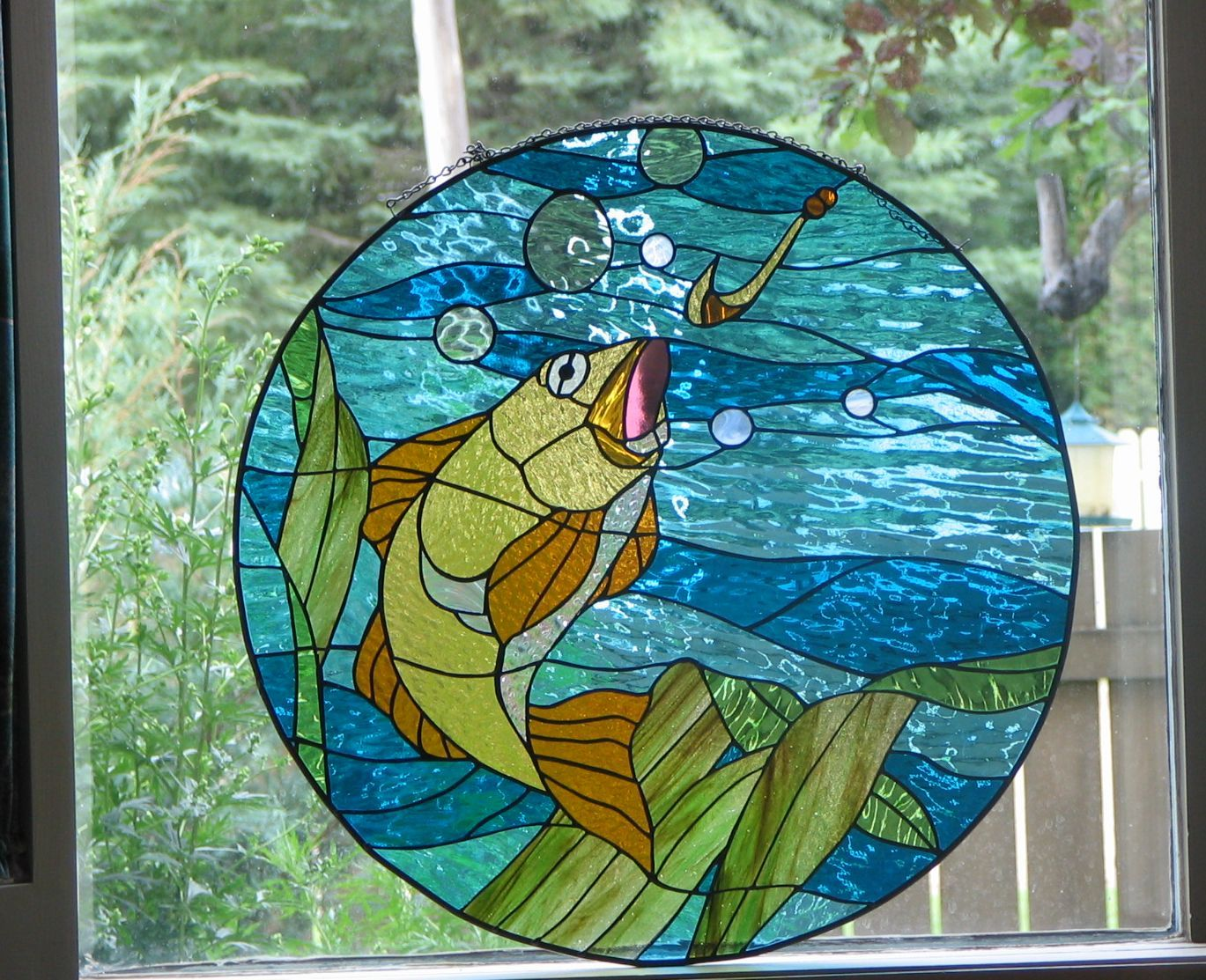 Fish underwater taking bait stained glass fish for Stained glass fish patterns