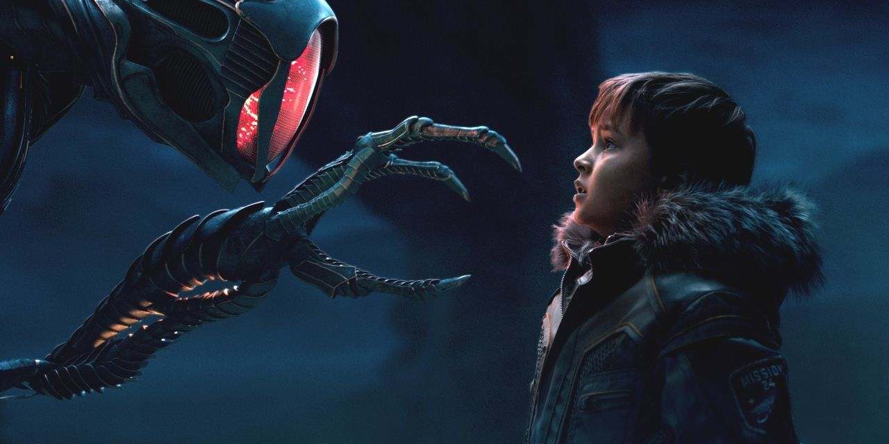 The New Lost In Space On Netflix Lost In Space Danger Will