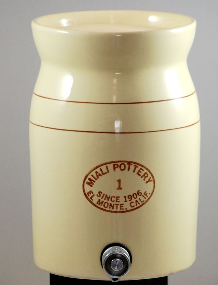 Miali Pottery 1 Gallon Drink Dispenser With Lid And Spigot Drink Dispenser Pottery Pottery Art