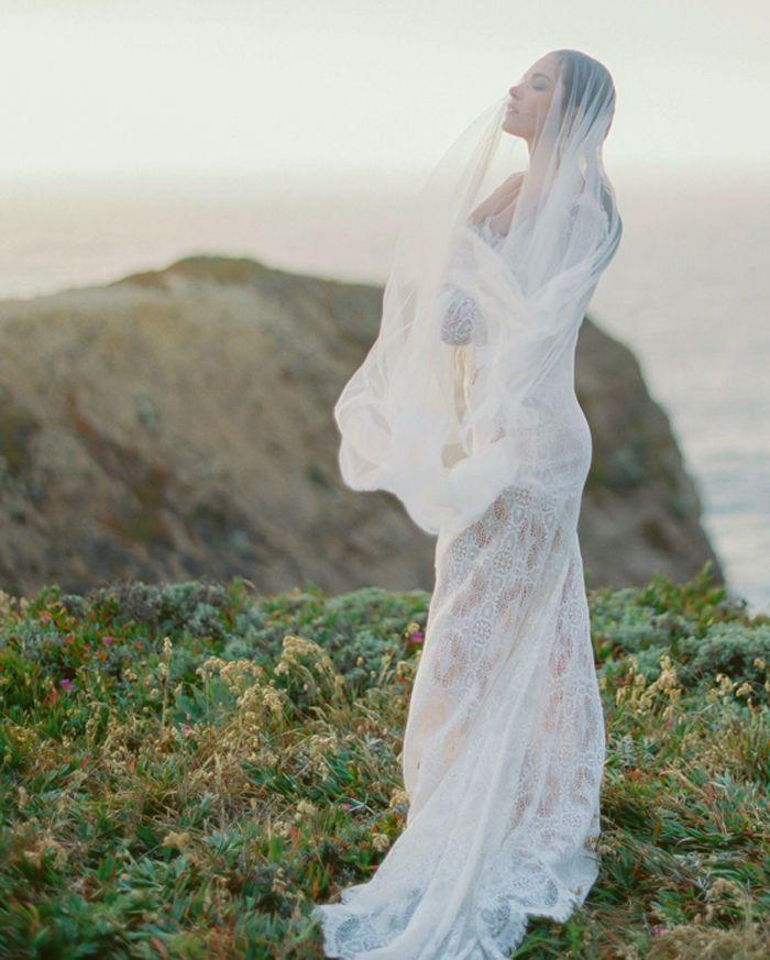 Coastal Wedding Inspiration With Opulent Blush Tones by Stan Kwan Photo's at Erich McVey Workshop
