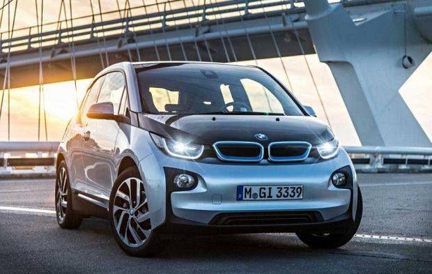 بي إم دبليو تستهدف بيع 100 ألف سيارة كهربائية خلال 2017 إحدى موديلات بي إم دبليو ت Bmw I3 Bmw New Bmw
