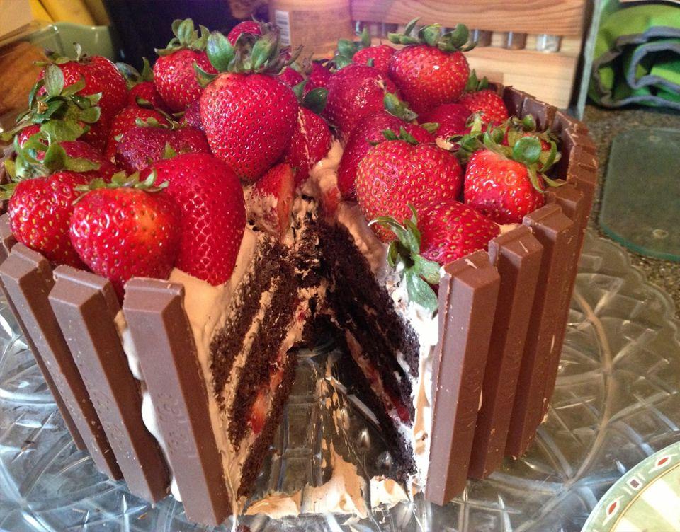 Strawberry birthday cakes recipes