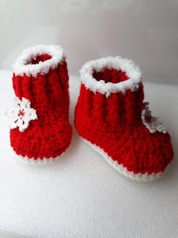 26daa8347 Crochet Baby Santa Booties