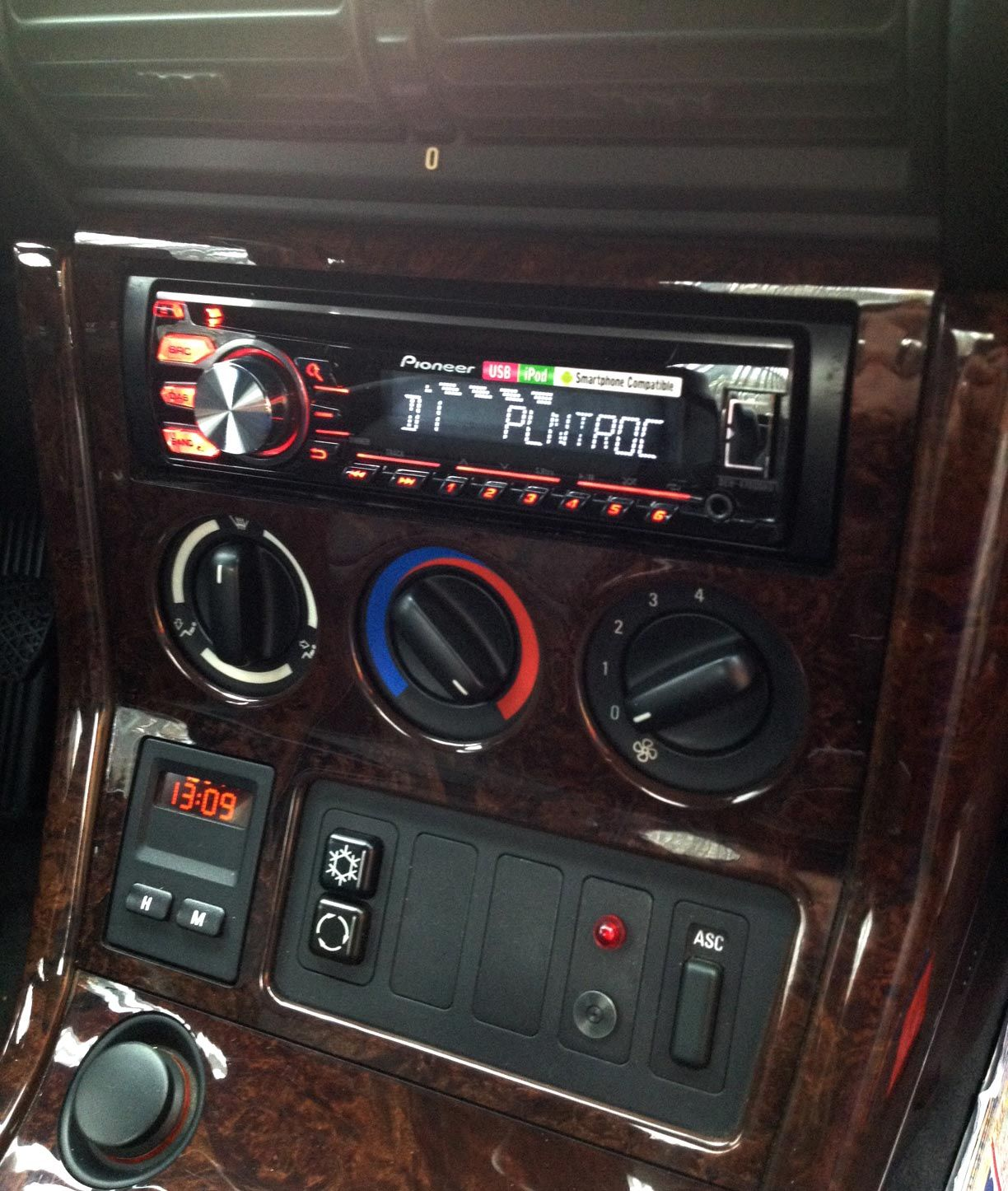 Bmw Z3 Speakers: BMW Z3 Installed With A Pioneer DEH-4700DAB DAB Radio, And