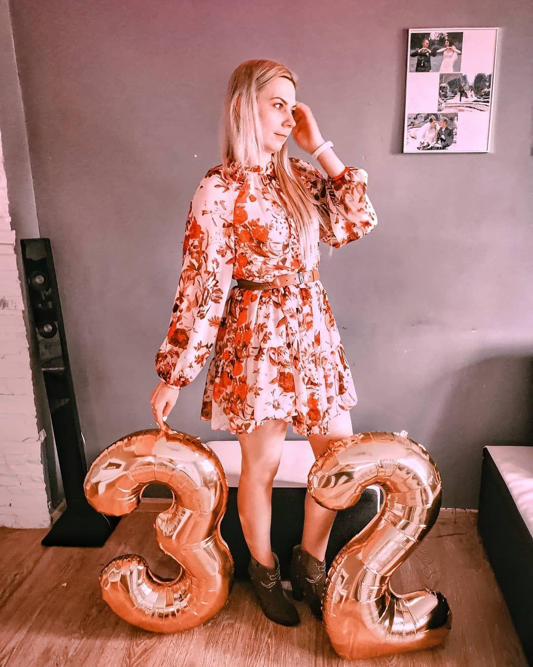 Ok... Ok.... koniec spamu nr 32 Ale czuje że to bedzie wyjątkowy czas 💛 😉💛 życzę wam dobrej nocy 🥰 . . . . . . . . . . . #urodziny #32 #kobieta #blonde #hm #birthday #polishgirl #happybirthday #poland #polskadziewczyna #girl #warszawa #dziewczyna #ootd #love #warsaw #woman #instagood #polskakobieta #blondehair #fashion #party #fitness #me #photooftheday #tort #polska #selfie #prezent #roczek