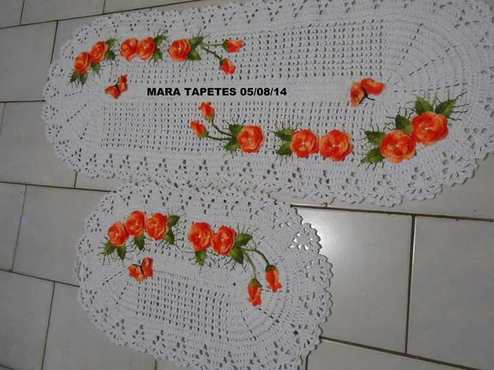 Table runner and table mat