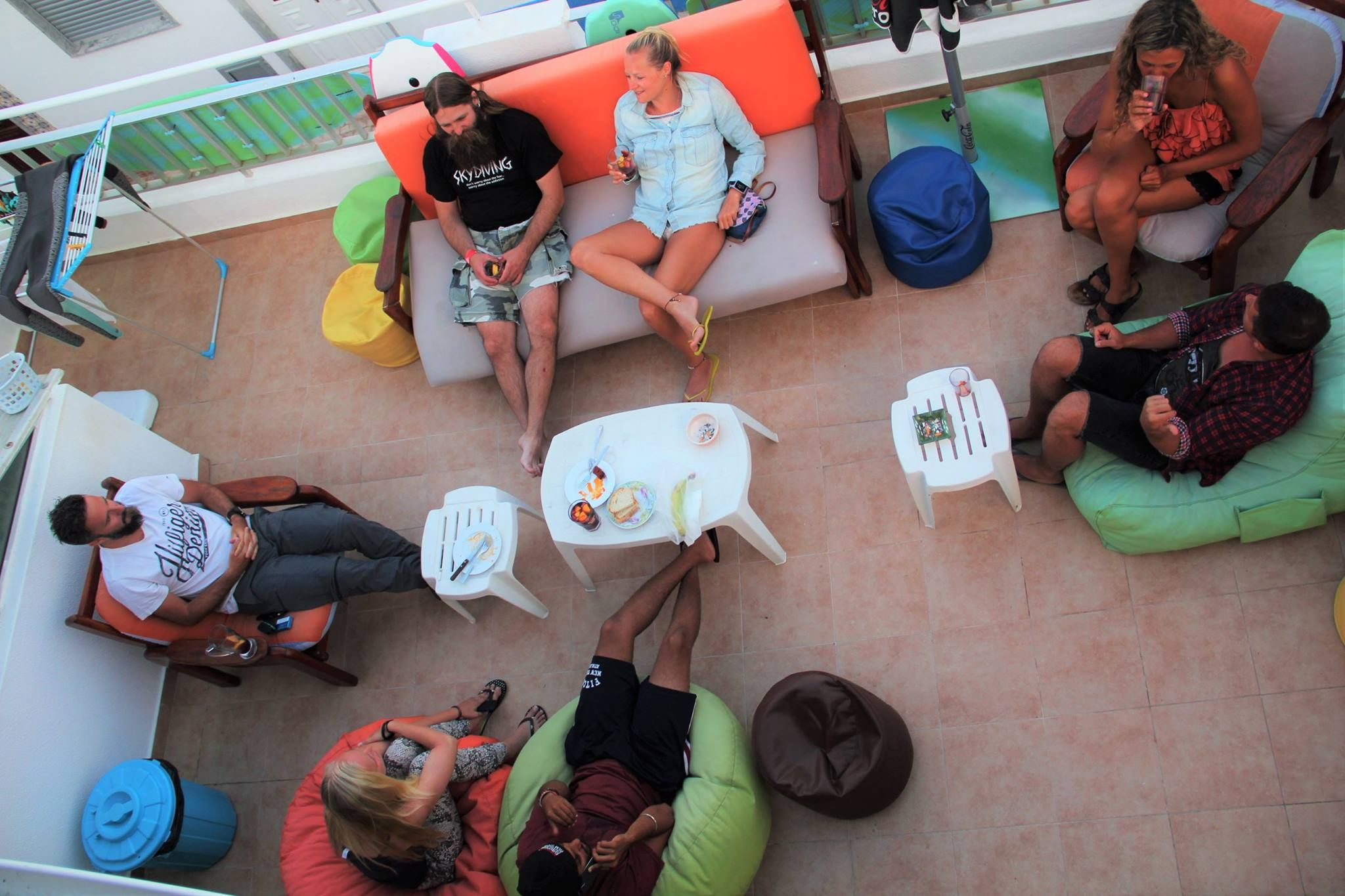 Criar laços entre diferentes culturas e línguas, só no Ria Hostel em Alvor   Creating bonds between different cultures and languages only in Ria hostel Alvor