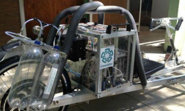 Investigador del Cinvestav diseñó un transporte híbrido dotado con una tecnología de hidrógeno y celda de combustible, que tiene el objetivo de disminuir la contaminación ambiental con el empleo de un desarrollo técnico limpio.