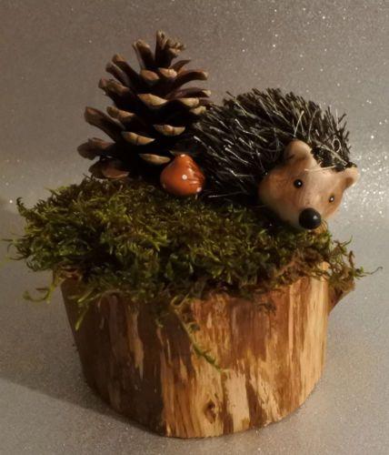 Herbst-Dekoration-Gesteck-Herbstdeko-Tisch-Igel-Holz-Tischdeko-Geschenk-Pilz #herbstdekotisch