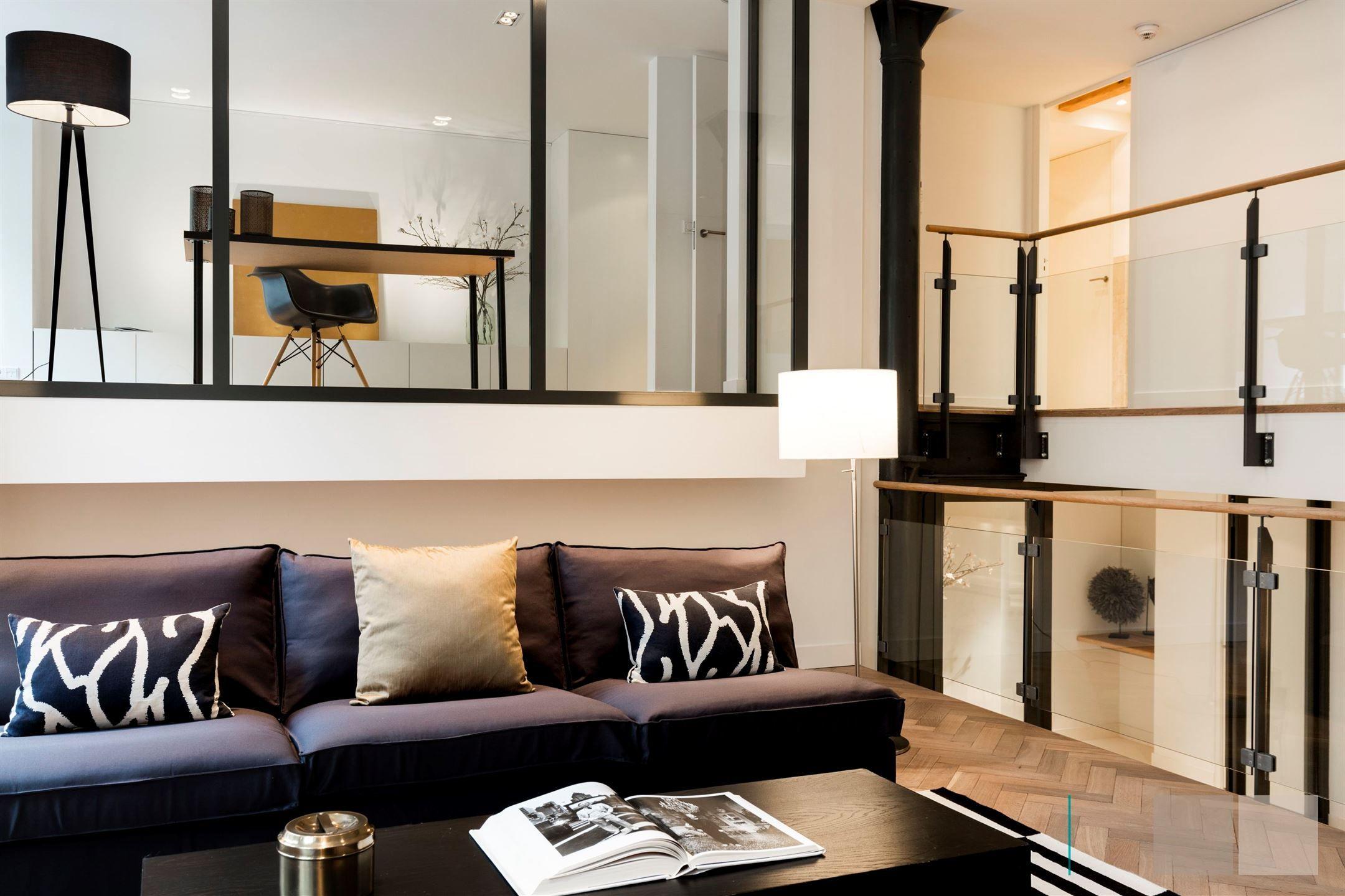 Bijzonder smaakvol appartement van ca. 171 m² gelegen aan de groene