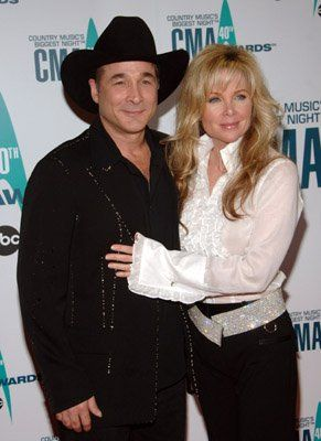 Clint black and lisa hartman celebrities pinterest for Clint black married to lisa hartman