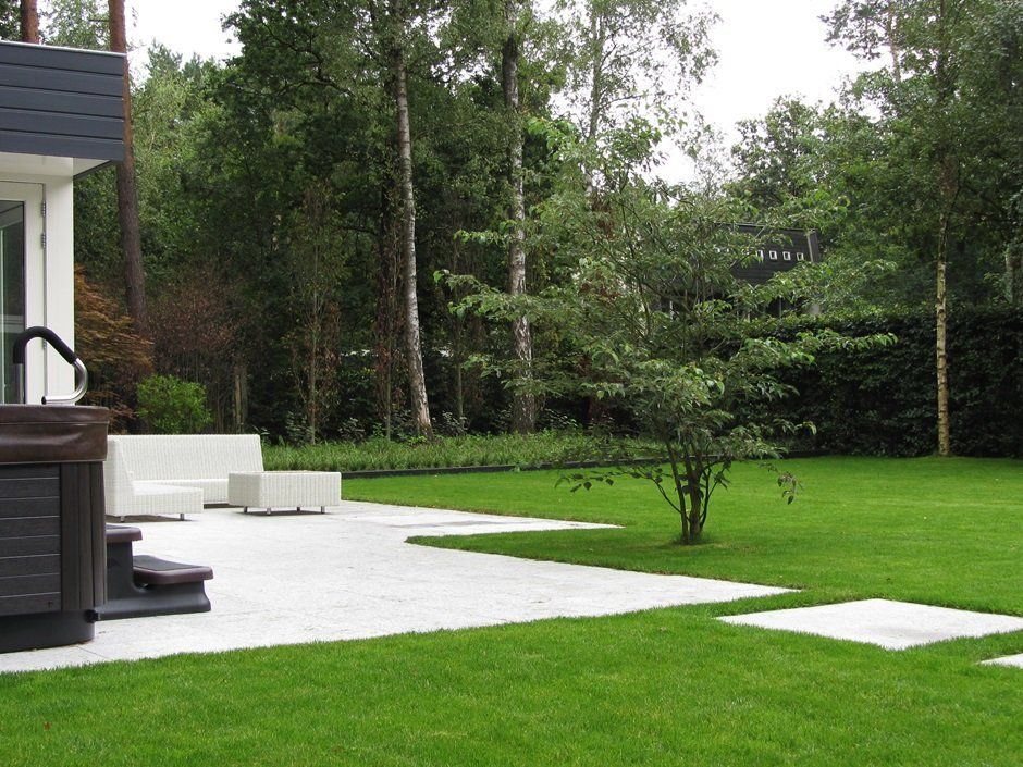 Minimalistische tuin gazon exclusieve beplanting interior