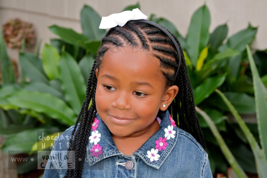 Yarn Twist Extensions With Front Yarn Flat Rope Twists
