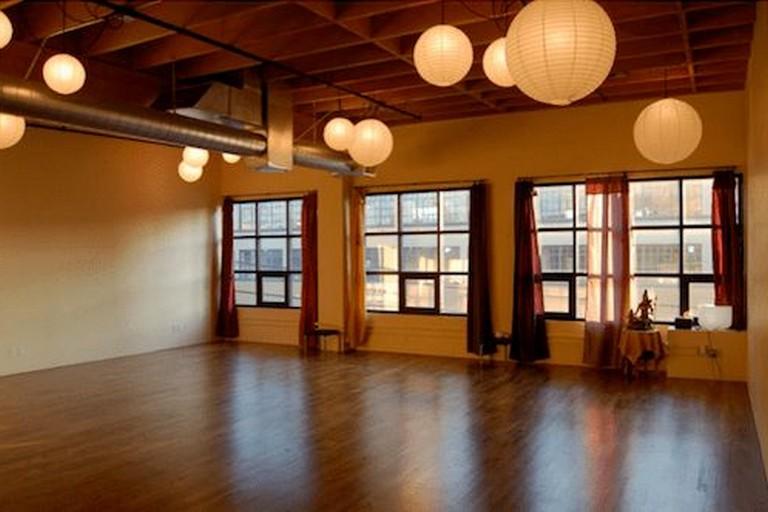 37 Fancy Yoga Studio Design Ideas That Will Make You Relax Page 9 Of 37 Yoga Studio Decor Yoga Studio Design Yoga Studio Home