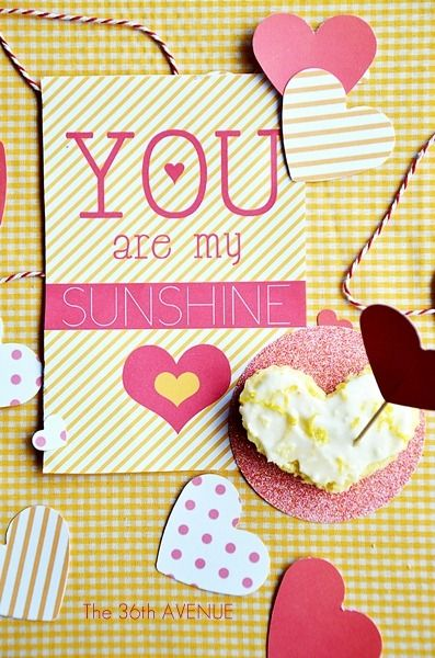 Lemon bars recipe and You are my sunshine Free Printable by the36thavenue.com