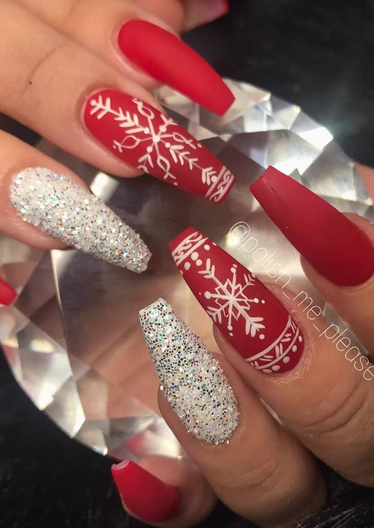 41 Suprising Christmas Nail Art Design Ideas For This New Year Page 11 Of 41 Ladiesways Com Women Hairstyles Blog Christmas Nail Designs Christmas Nails Acrylic Cute Christmas Nails