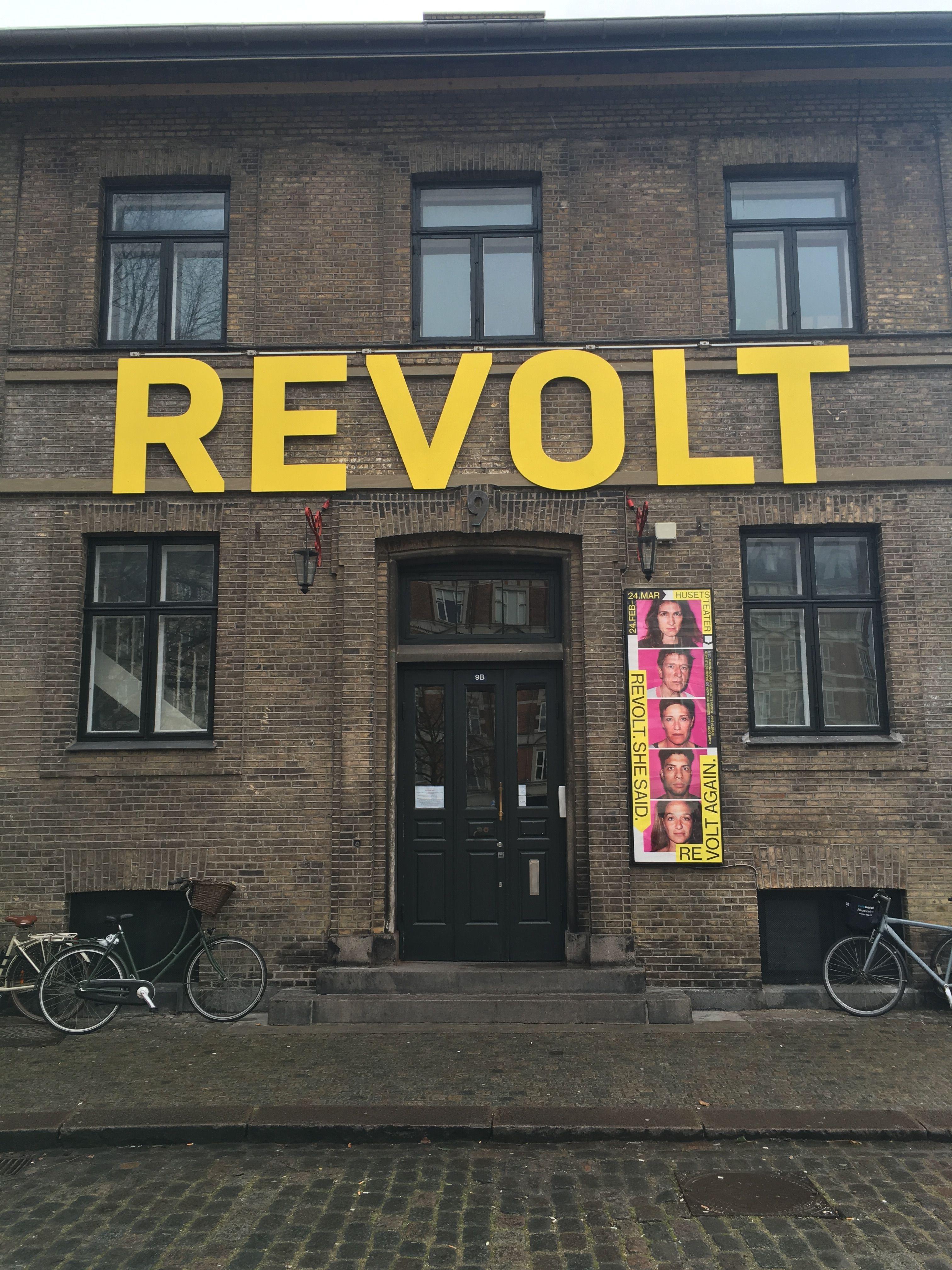 Utställning I Köpenhamn Med Snygg Text Field Notes Pinterest