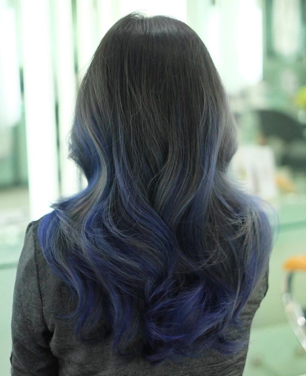 colombre combinations that put pop of color in hair trends black