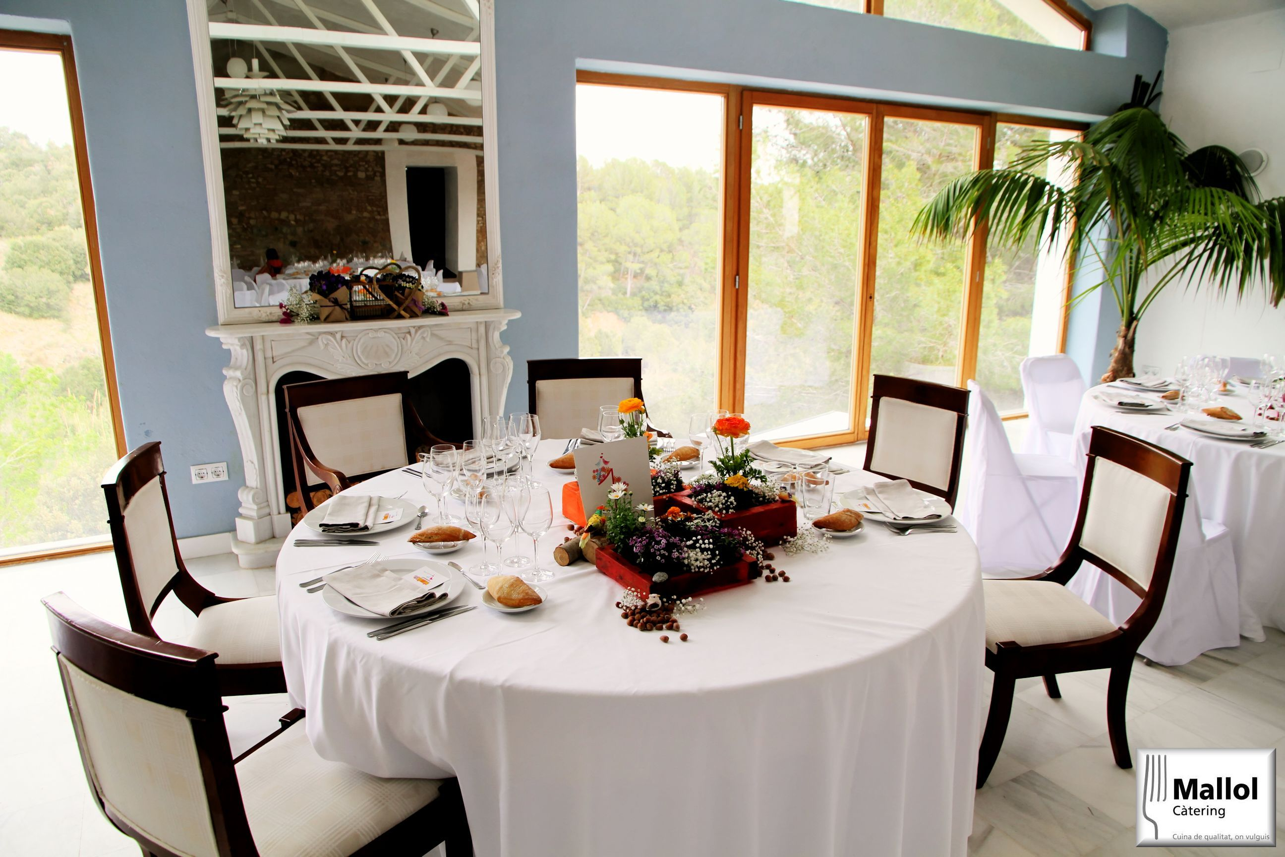 Mesa durante catering de boda.