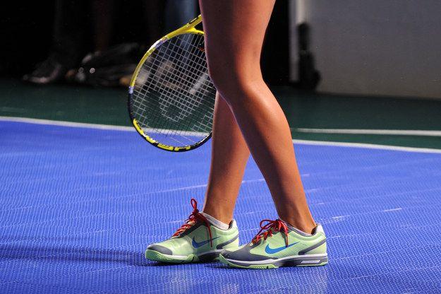 Tú eres ya sea Adidas o Nike. No eres de ambas. | 21 cosas que los jugadores de tenis saben que son verdad