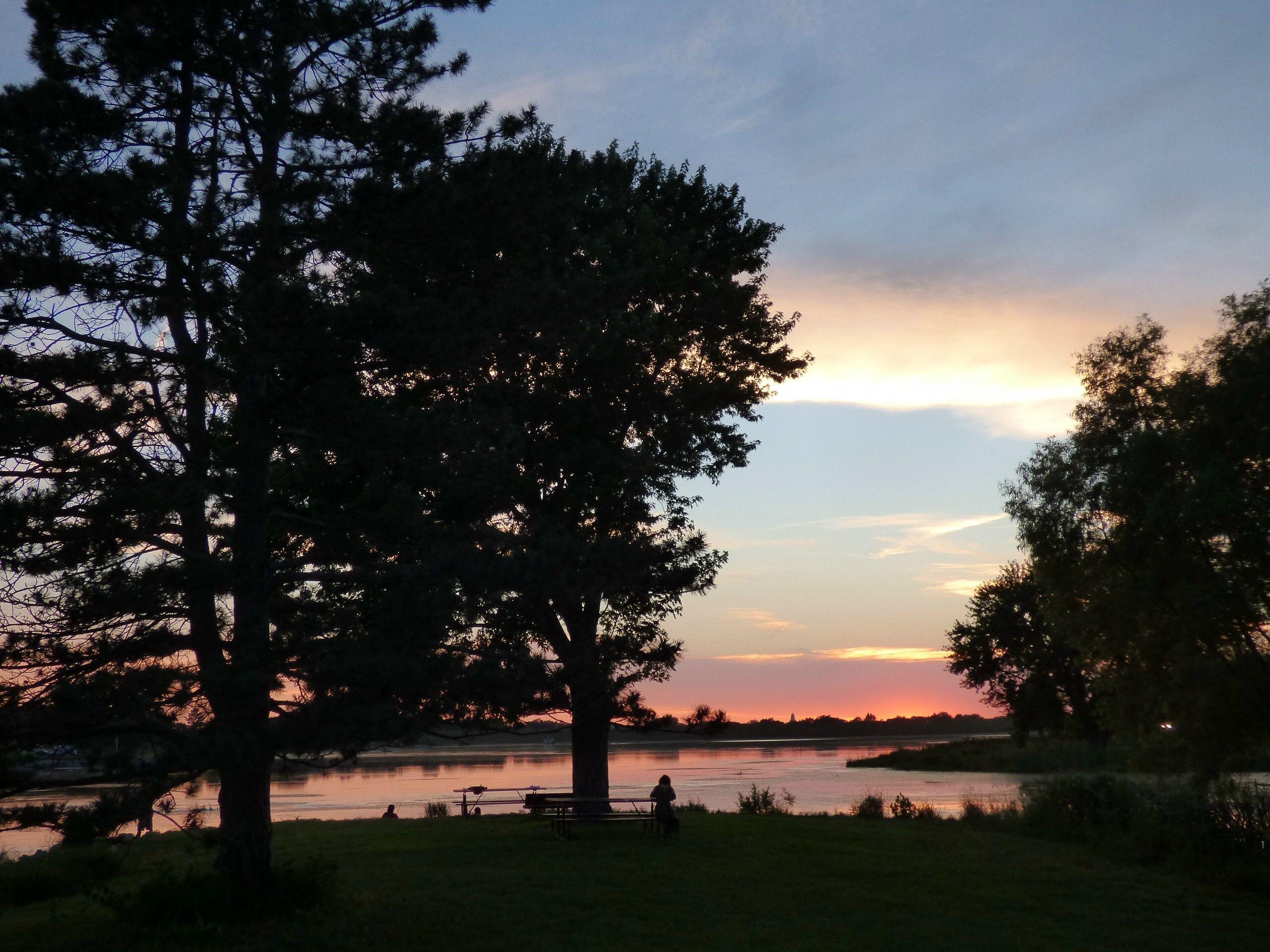 sunset on holmes lake, lincoln nebraska