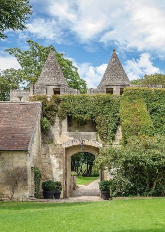 Ook Alle Vakanties Naar Frankrijk Vind Je Op Luvotra Nl Vergelijk En Selecteer Gemakkelijk En Snel Luvotra Ma French Castles France Travel Vallee De La Loire
