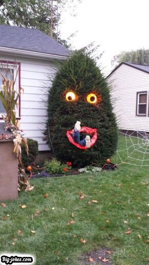What a great idea! Looks simple too! Halloween Outdoors - pinterest halloween decor outside