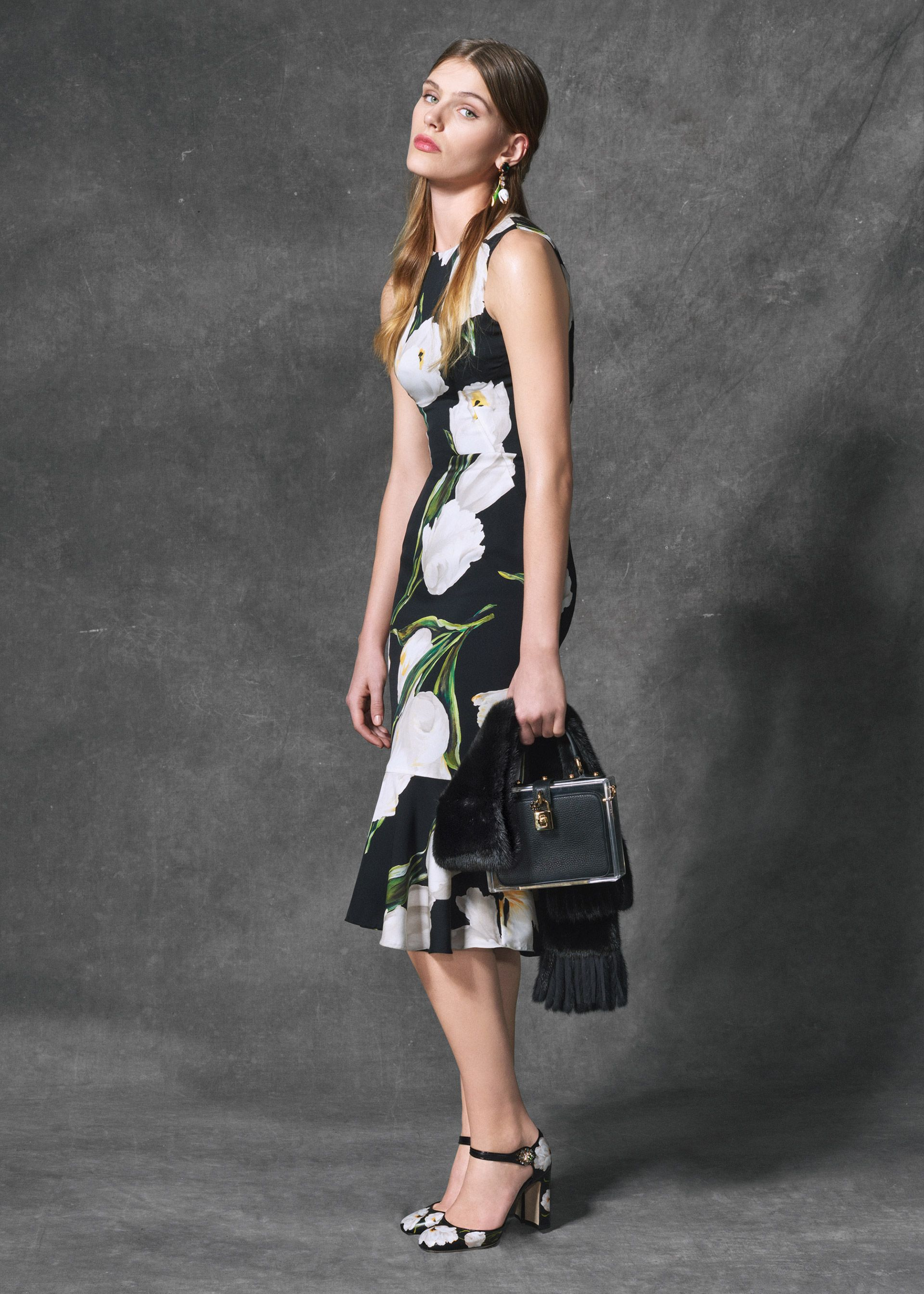 2d305ba1a3d Discover the new Dolce   Gabbana Women s Tulips Print Collection for Fall  Winter 2016 2017 and