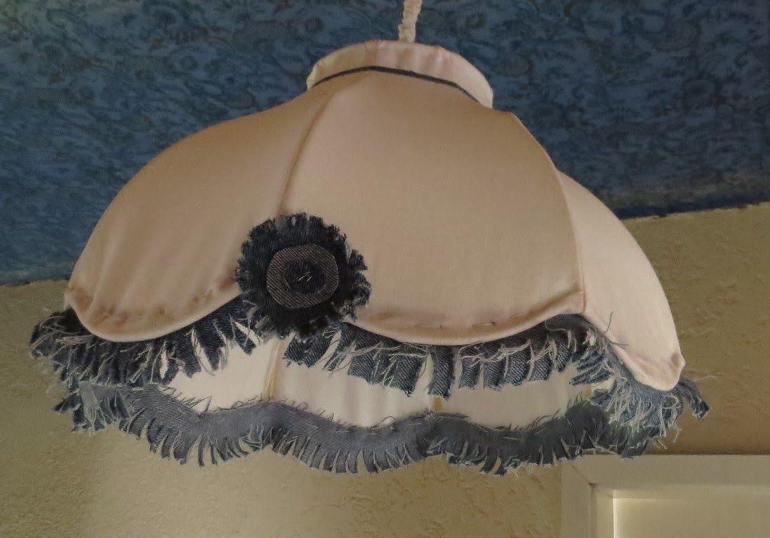 lampenschirm mit schablone neu beziehen diy zukunftige. Black Bedroom Furniture Sets. Home Design Ideas
