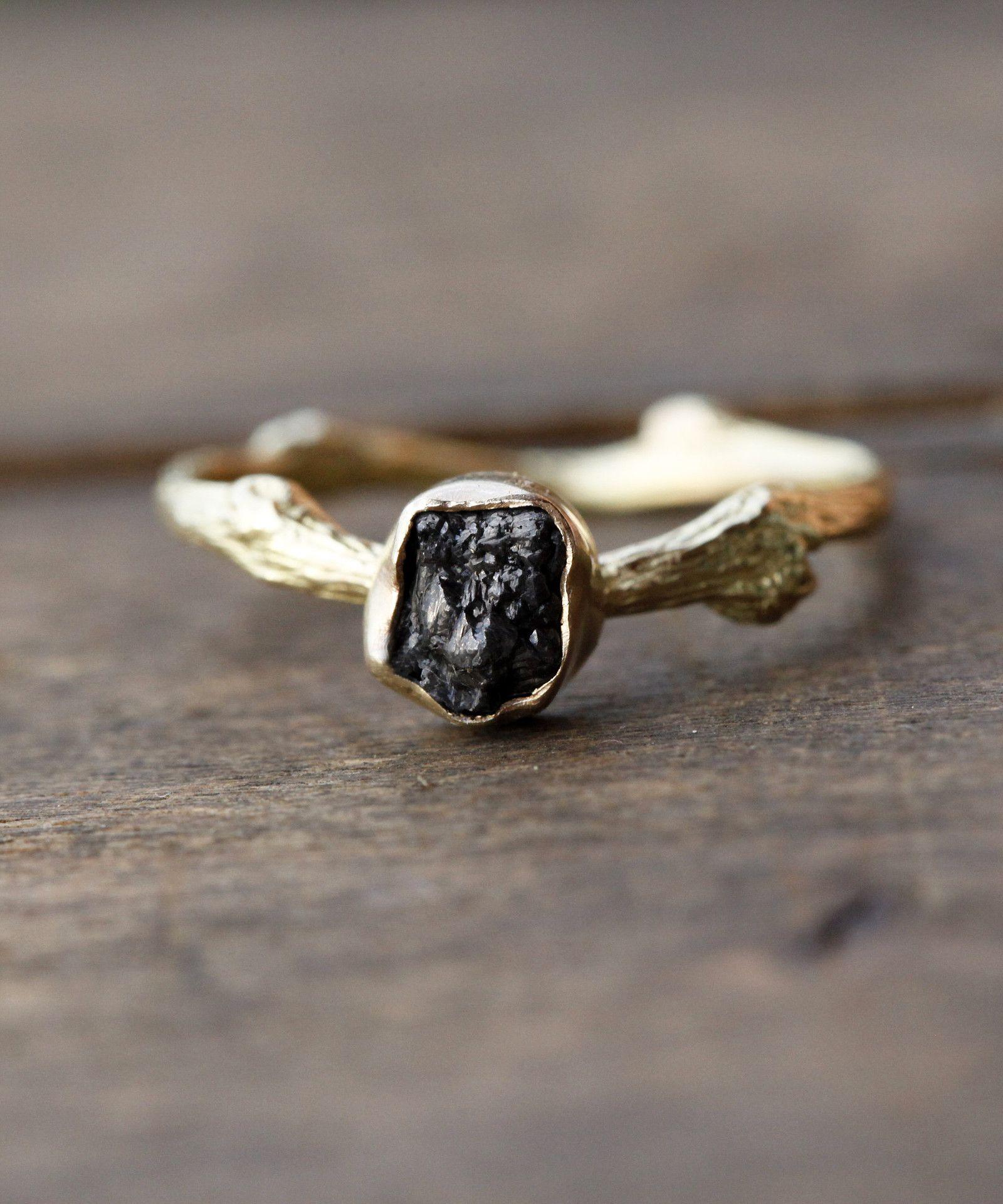 d8eda97f2 Větvičkový+prsten+zlatý+se+surovým+diamantem+Autorský+prsten+ ...