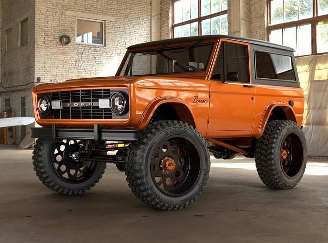 68 Ford Bronco As Old As Me Mecum Ford Bronco Trucks Bronco