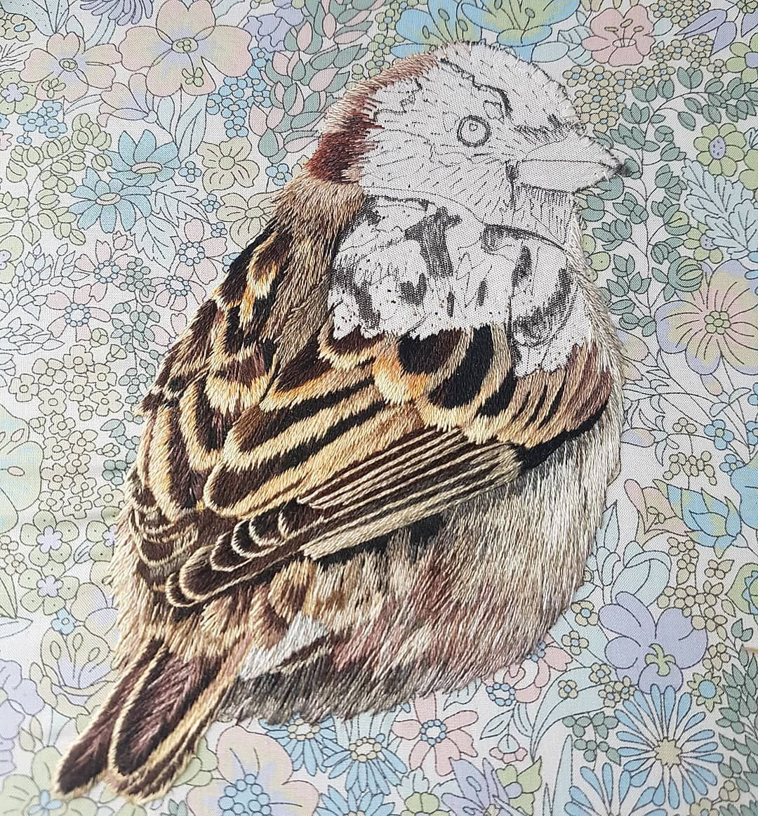 "Marg Dier Hand Embroidery on Instagram: ""Sparrow progress, onto his head. One of my favourite parts of embroidering a bird, I love how all the stitches flow in a circle to meet at…"""