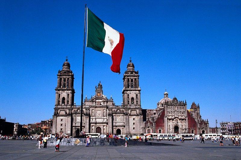 Cathedral Of Mexico City And Sagrario Metropolitano