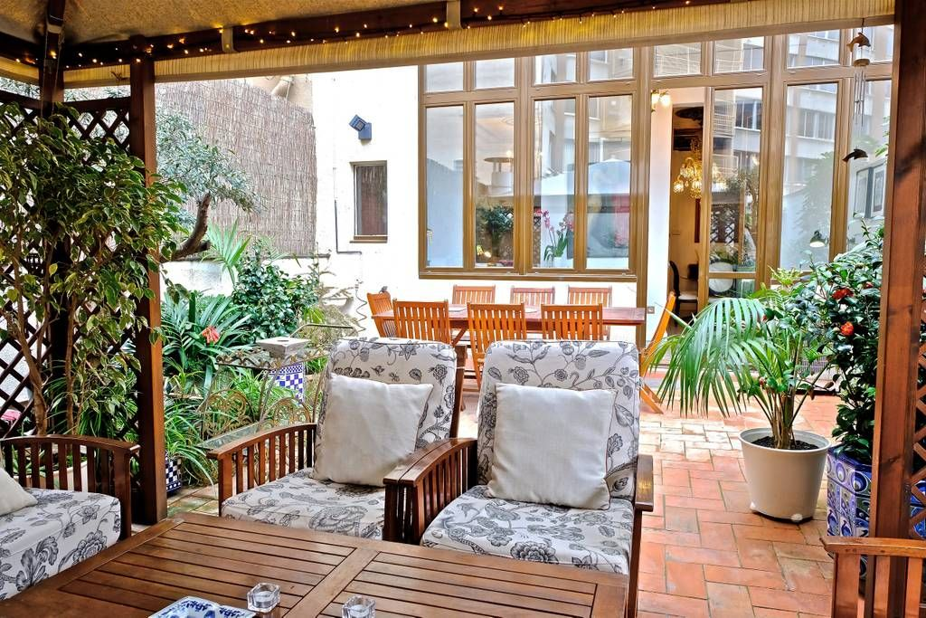 Old-time-charm apartment with patio! - Apartments for Rent ...