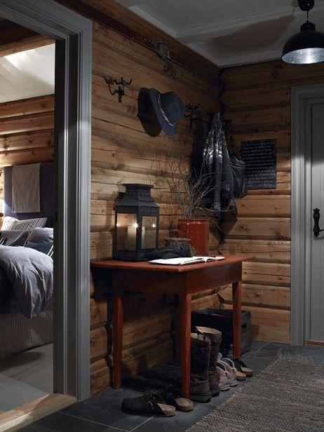 Stylish scandinavian cottage interior log cabin design for Log cabin montagne blu