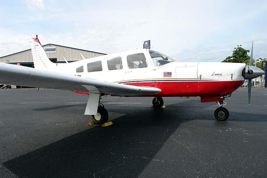 1976 Piper PA-32R-300 Lance for sale in Fort Lauderdale, FL USA => http://www.airplanemart.com/aircraft-for-sale/Single-Engine-Piston/1976-Piper-PA-32R-300-Lance/11904/