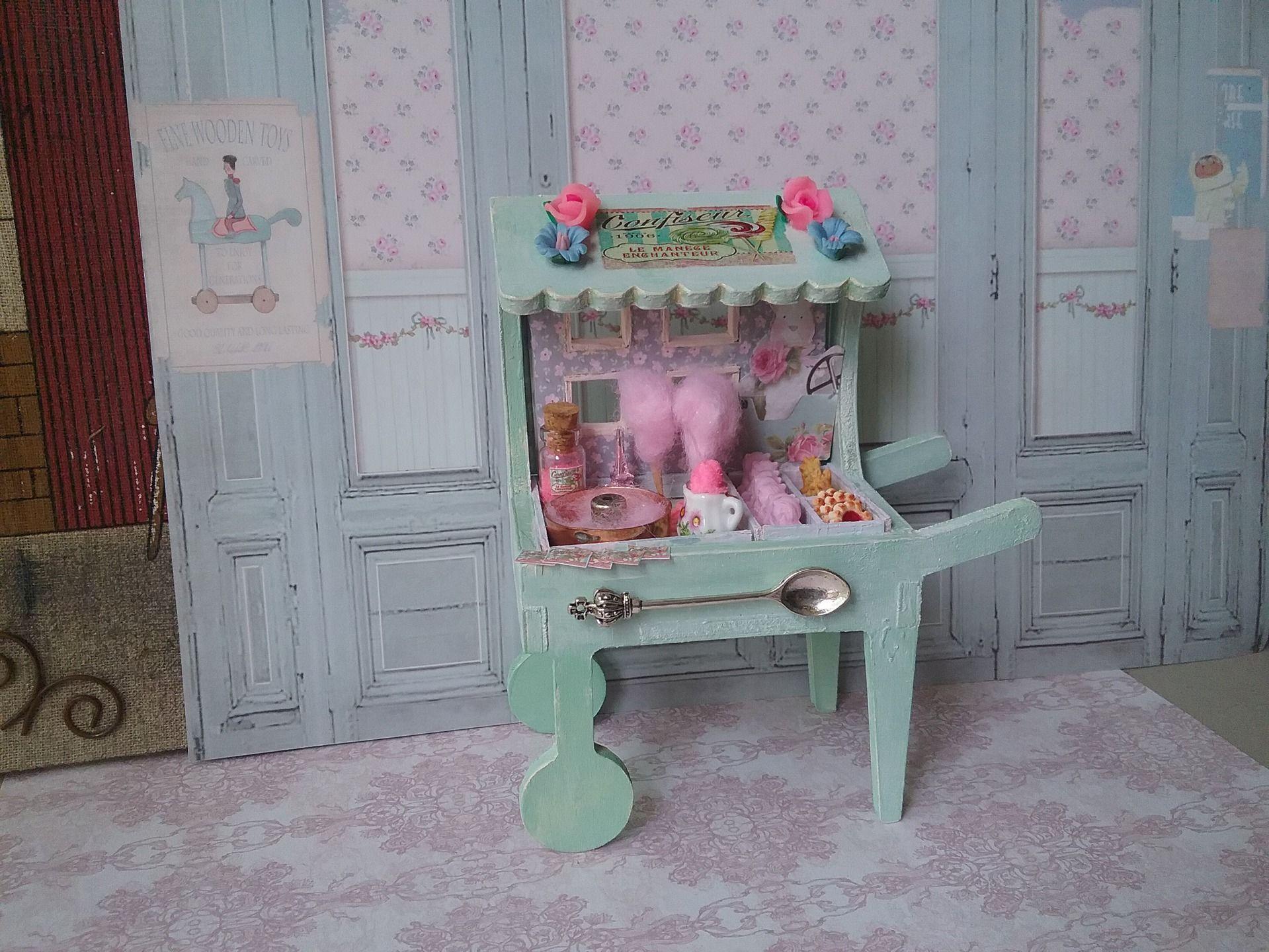 miniature maison poup e vitrine marchand ambulant confiseur accessoires de maison par cannelle. Black Bedroom Furniture Sets. Home Design Ideas