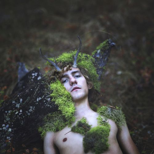Although Herne is seen as an aspect of Cernunnos, the Horned God, in the Berkshire region of England there is actually a story behind the legend. (see below)