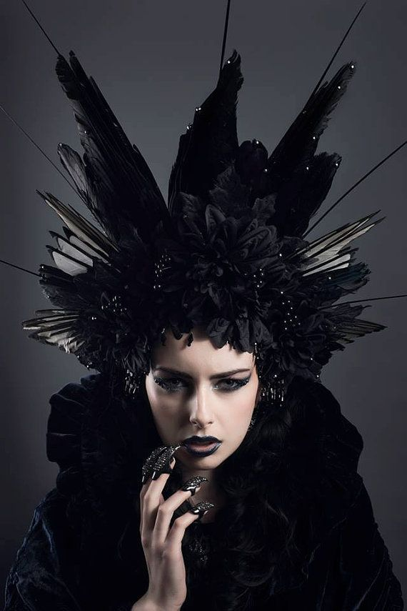 Huge couture gothic 39 black corvidae 39 feather headdress - Poil a petrole ...