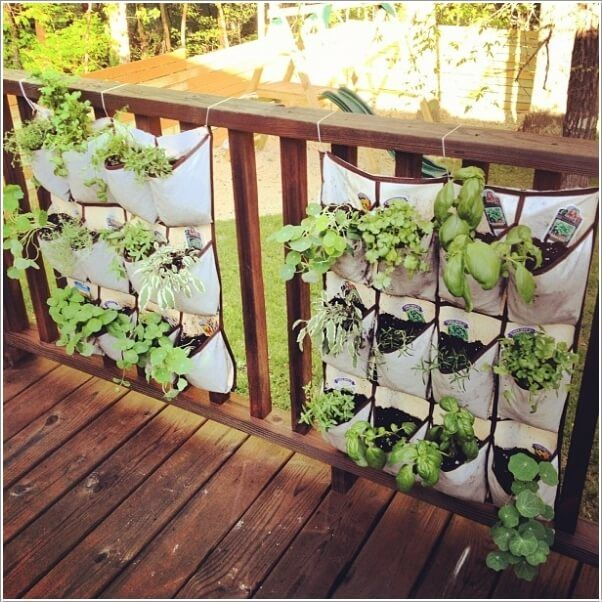 10 lovely diy summer front porch decor ideas 6 plant wall and