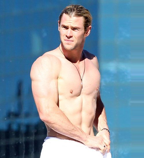 Hollywood's Hottest Washboard Abs Chris hemsworth