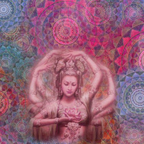 Lakshmi è la dea della fortuna, nata da un fior di loro sul grande oceano di latte. Si tratta di una creatura delicata e gentile, che però viene considerata di indole volubile. - MEET MYTHS -