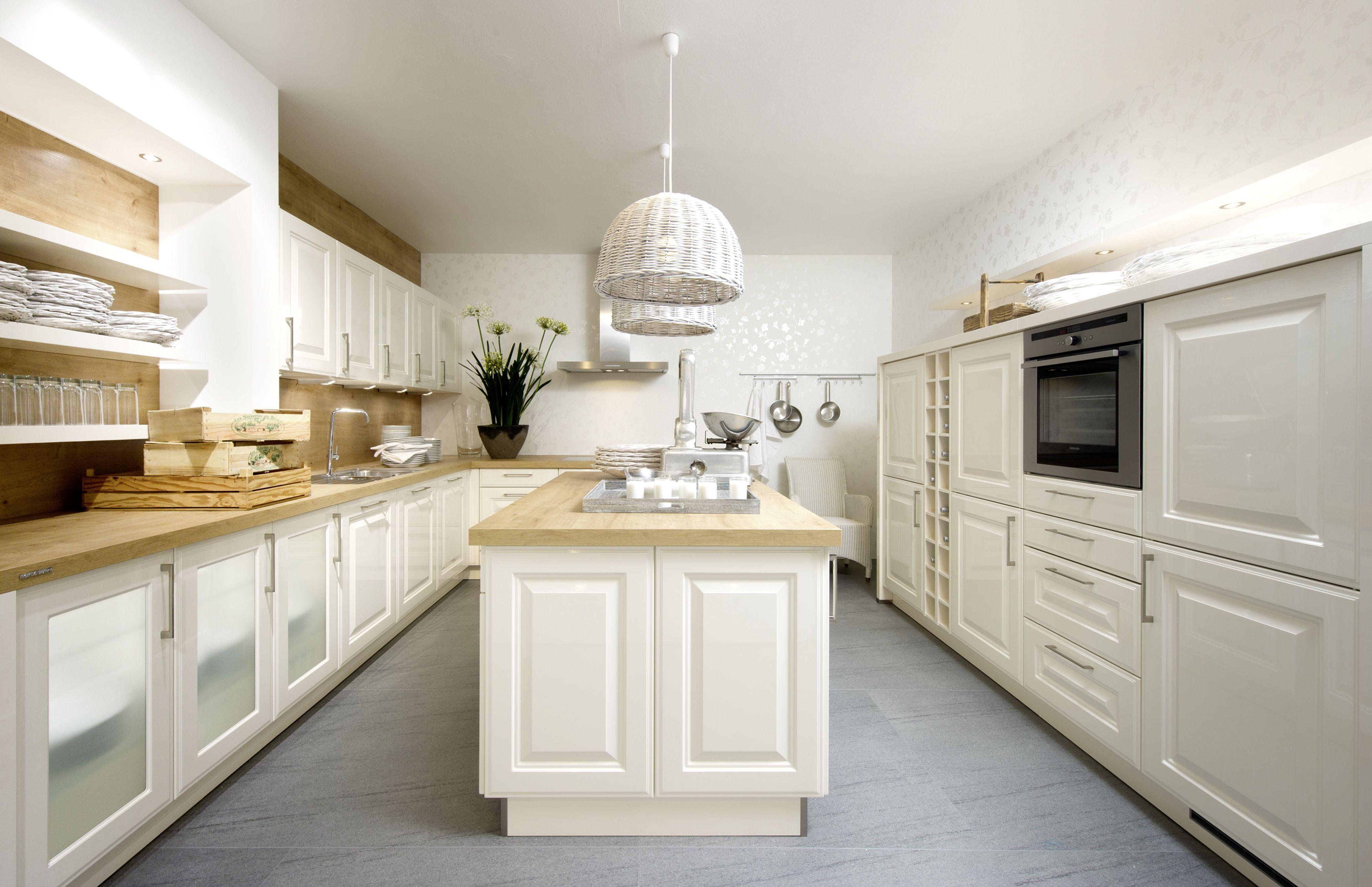 Klassieke Keuken | Tijdloze Keuken | Kookeiland | Wit Hout | Kookeiland · Nolte  KüchenHausbauTraditionellen DesignKüche ...