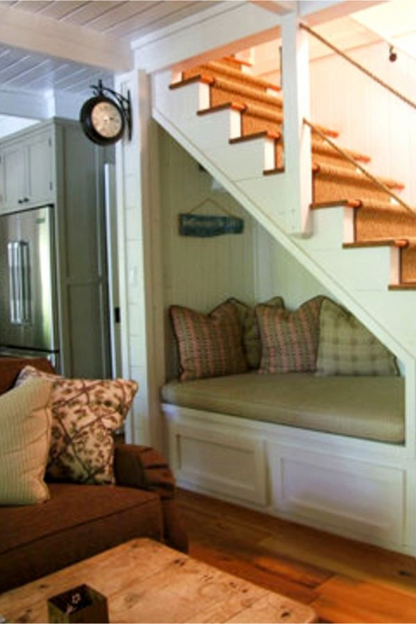 Small Space Stair Designs: Storage Solutions Using Space